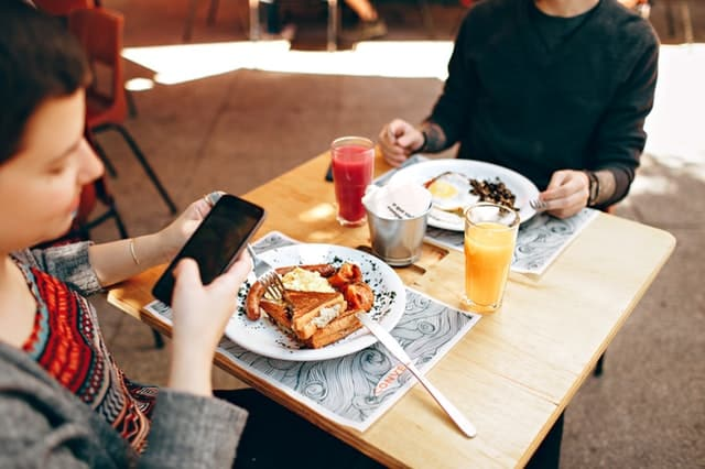 brunch cell phone cooking knives 693269