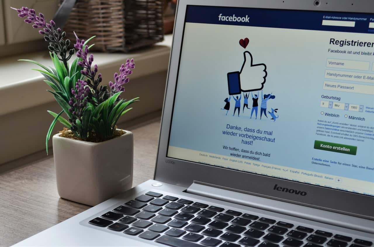 Image of laptop with Facebook login page